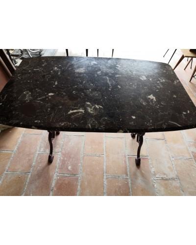 Table Bistrot Marbre marron bordeaux Piètement en fonte