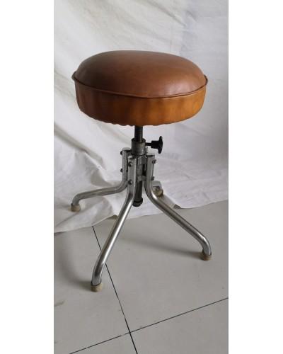 Tabouret tournant vintage assise en cuir et pieds chromés